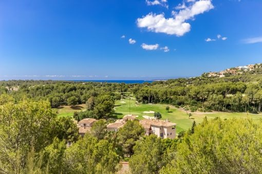 Elegant villa with views to the golf course