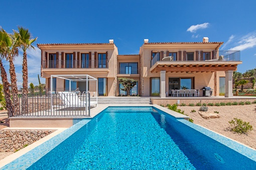 Newly-built designer villa in Son Gual overlooking the bay of Palma