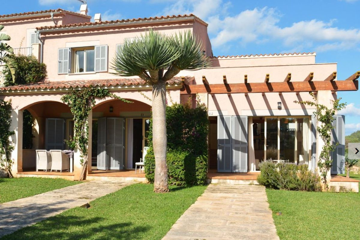 Very beautiful terraced house on hole 1 of the golf course of Son Servera
