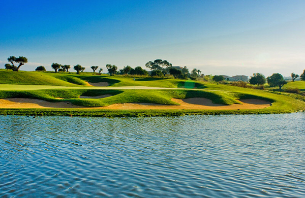Son Gual is well known for its technical refinement and enchanting landscaping - here hole 17. (Photo: Son Gual)