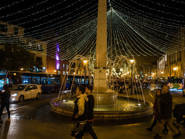 At Christmas time the Passeig Born is festively decorated and illuminated.