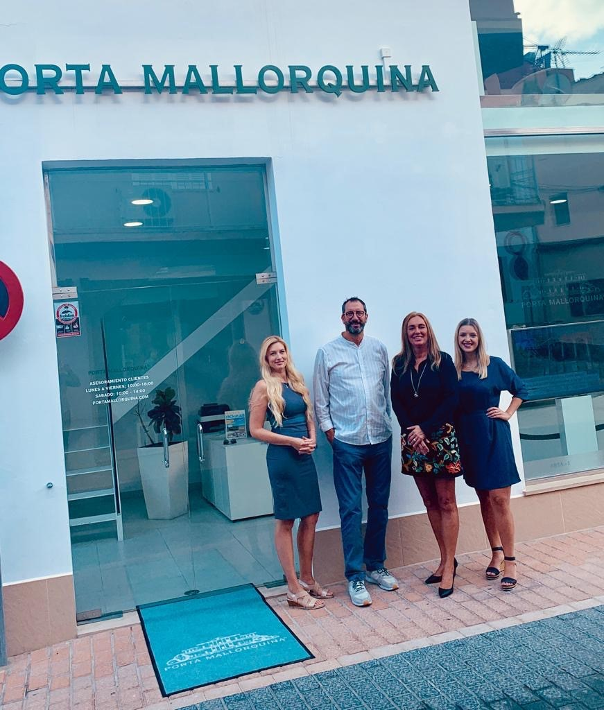 The new Porta Mallorquina team in Port d'Andratx (from L to R) Stephanie Mohr, Michael Altenbeck, Linda Meurs and Ester Breitenbach