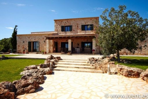 Country house with mosaic pool in Santanyí