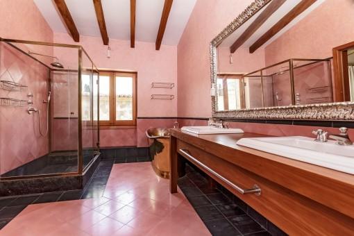 Marvellous master bathroom