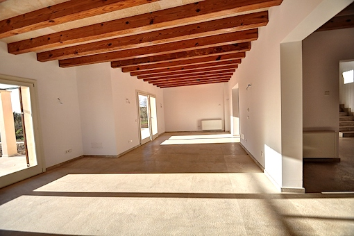 Alternative view of the living area