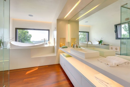 Luxurious bathroom with panoramic views