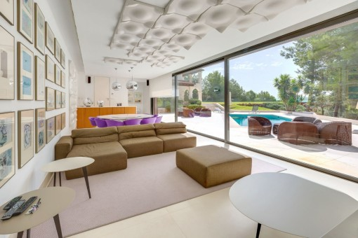 Stylish lounge area with direct access to the pool terrace