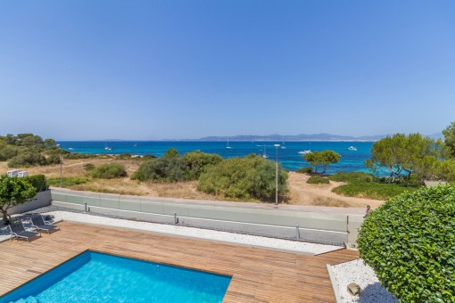 Dreamlike sea views from the pool area