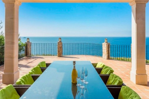 Terrace with dining area and fantastic sea views