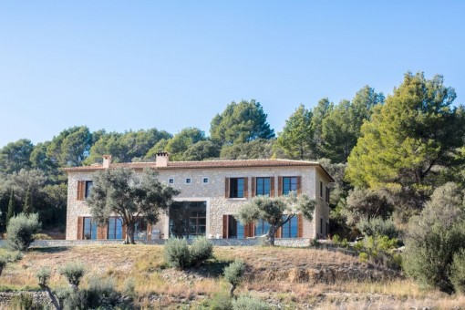 Very beautiful property with spectacular views and pool 12m x 4m in Selva