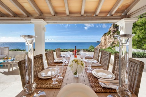 Wonderful dining area on the terrace