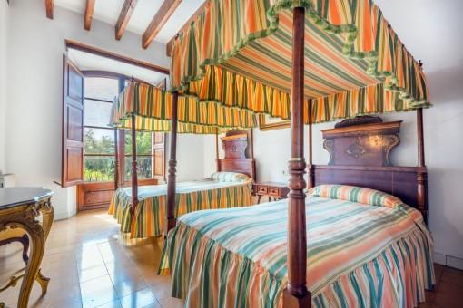 Extraordinary bedroom