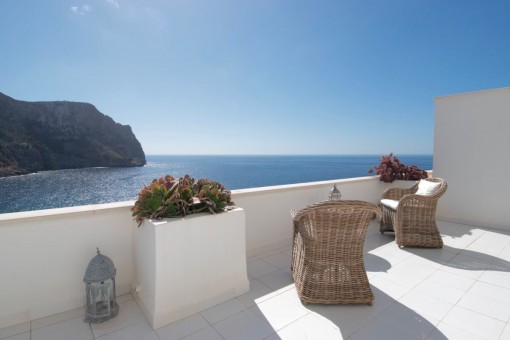 Breathtaking apartment with stunning sea views in Cala Llamp