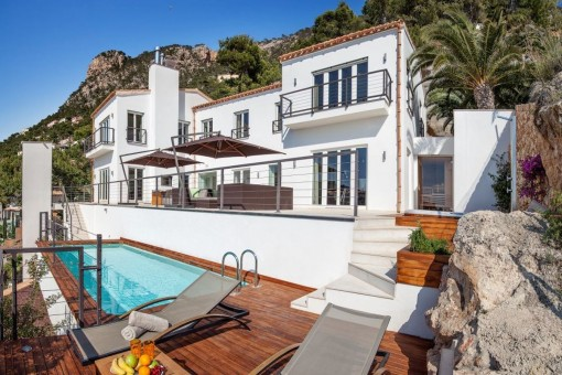 Wonderful villa, a highlight in the bay of Cala Llamp/Puerto Andratx