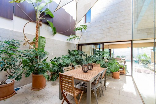 Modern patio with dining area