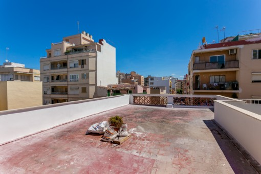 Bright town-apartment near Pere Garau with a large roof terrace