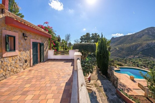 Idyllic finca in a mountain landscape with pool and sea views in Andratx