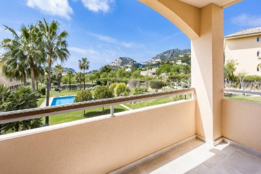 Luxurious apartment in a popular residential complex in Port Andratx