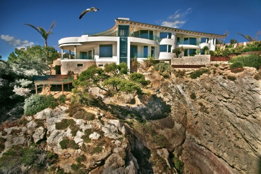 Unique villa with sea views in Santa Ponsa