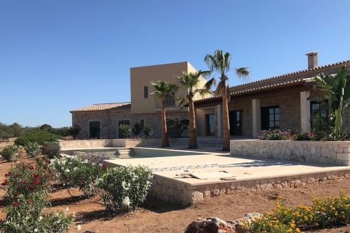 Newly-built dream finca with sweeping views as far as the sea near Cap Salines