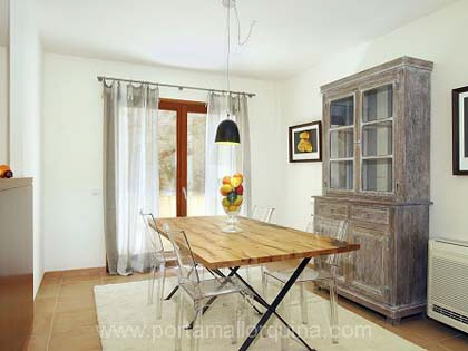 The dining room with access to the garden