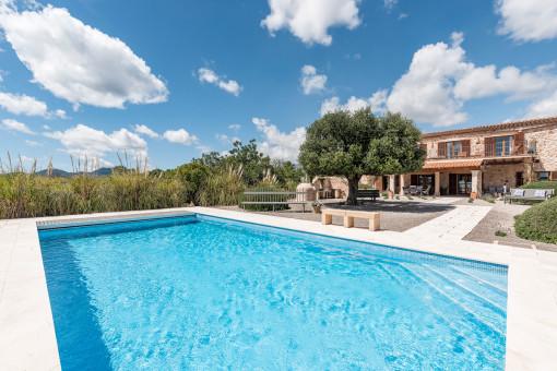 Luxury mansion with delightful sea views in S´Espinagar