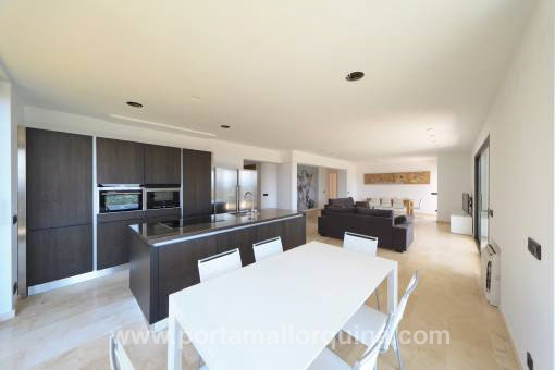 Open luxury kitchen with eating area