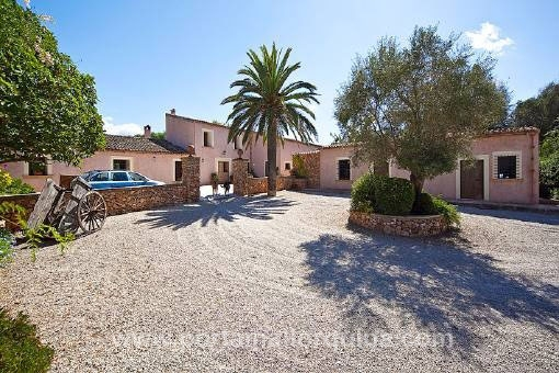 Mediterranean country house with luxury equipment for Mediterranean country house