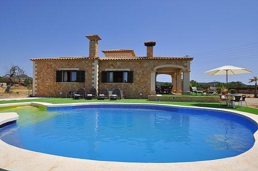 Pool area with sun terrace