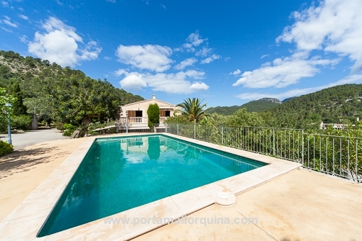 Fantastic views of the scenery from the swimming pool