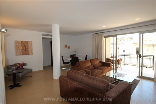stylish decorated apartment in a central location in cala ratjada. Black Bedroom Furniture Sets. Home Design Ideas