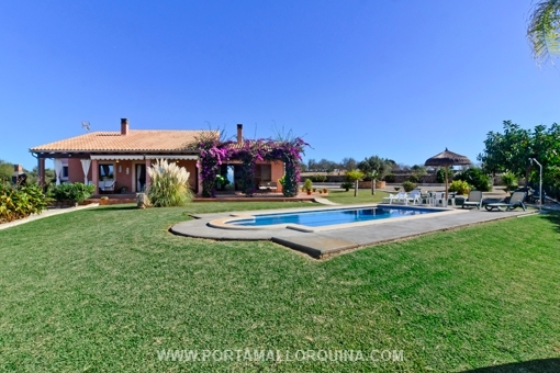 Pretty country house with huge olive grove and nice views close to Playa de Muro
