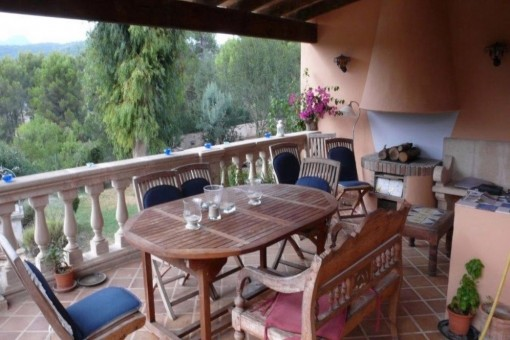 Large dining area on the balcony