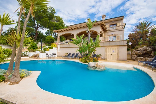 Fantastic sea view villa in a quiet location