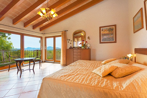 Master bedroom with impressive panoramic views of the scenery
