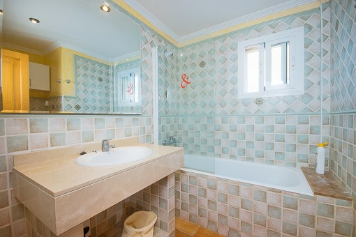 Bathroom with bathtub on the upper floor
