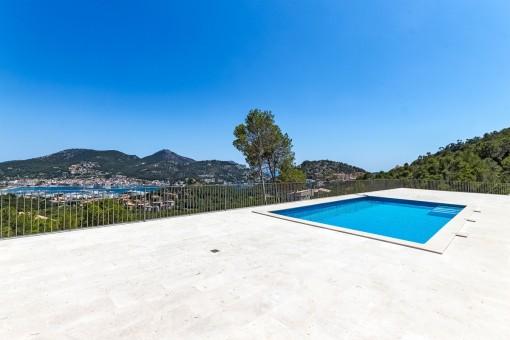 Villa with a spacious terrace
