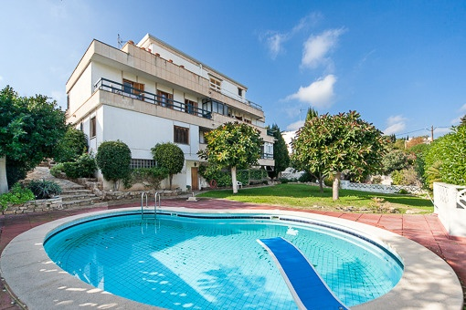 Unterschiedlich Superb property of 3 independent flats with pool and spacious  XM79