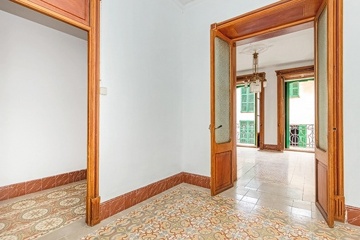 Floor with views to the bedroom