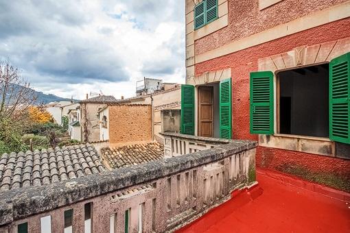Rustic roof terrace