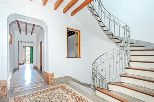 Antigue staircase