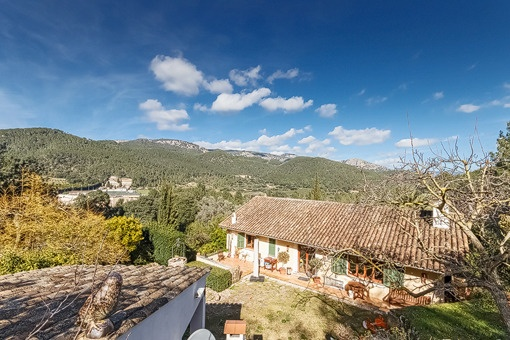 Country house in calm location with garden and guest apartment in Esporles