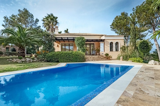 Fabulous villa and gardens with pool in Nova Santa Ponsa