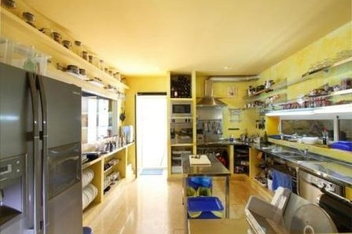 Kitchen with terrace acces