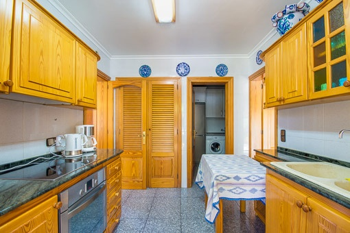Second fully equipped kitchen