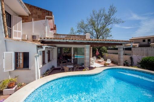 Sunny villa with pool in sought after residential area of Puerto Pollensa