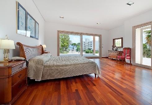 Second master bedroom on the upper floor