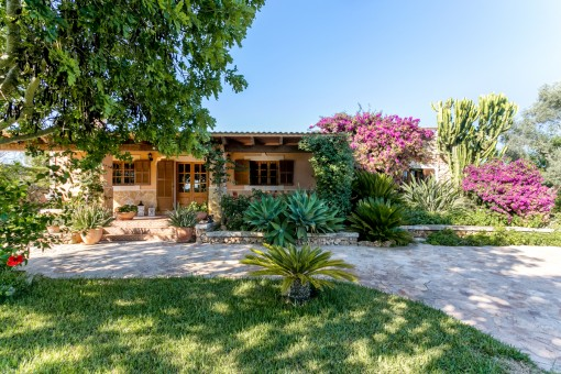 Comfortable country cottage in quiet surroundings of Santa Margalida