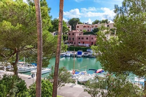 Direct views and access to the marina in Santa Ponsa
