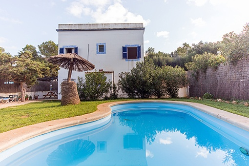 Charming house with 2 flats in the beautiful village of Porto Colom